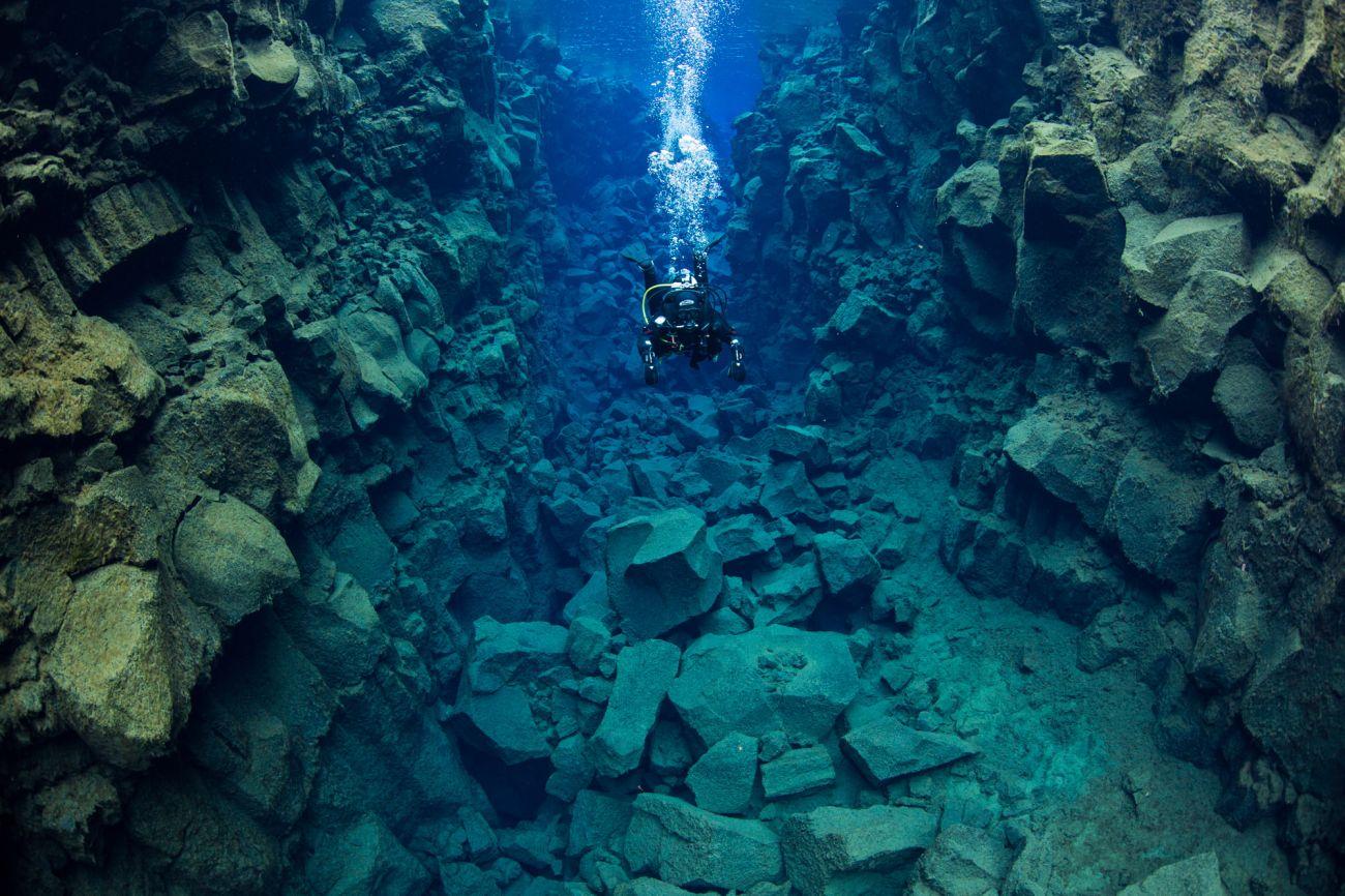 diving-thingvellir