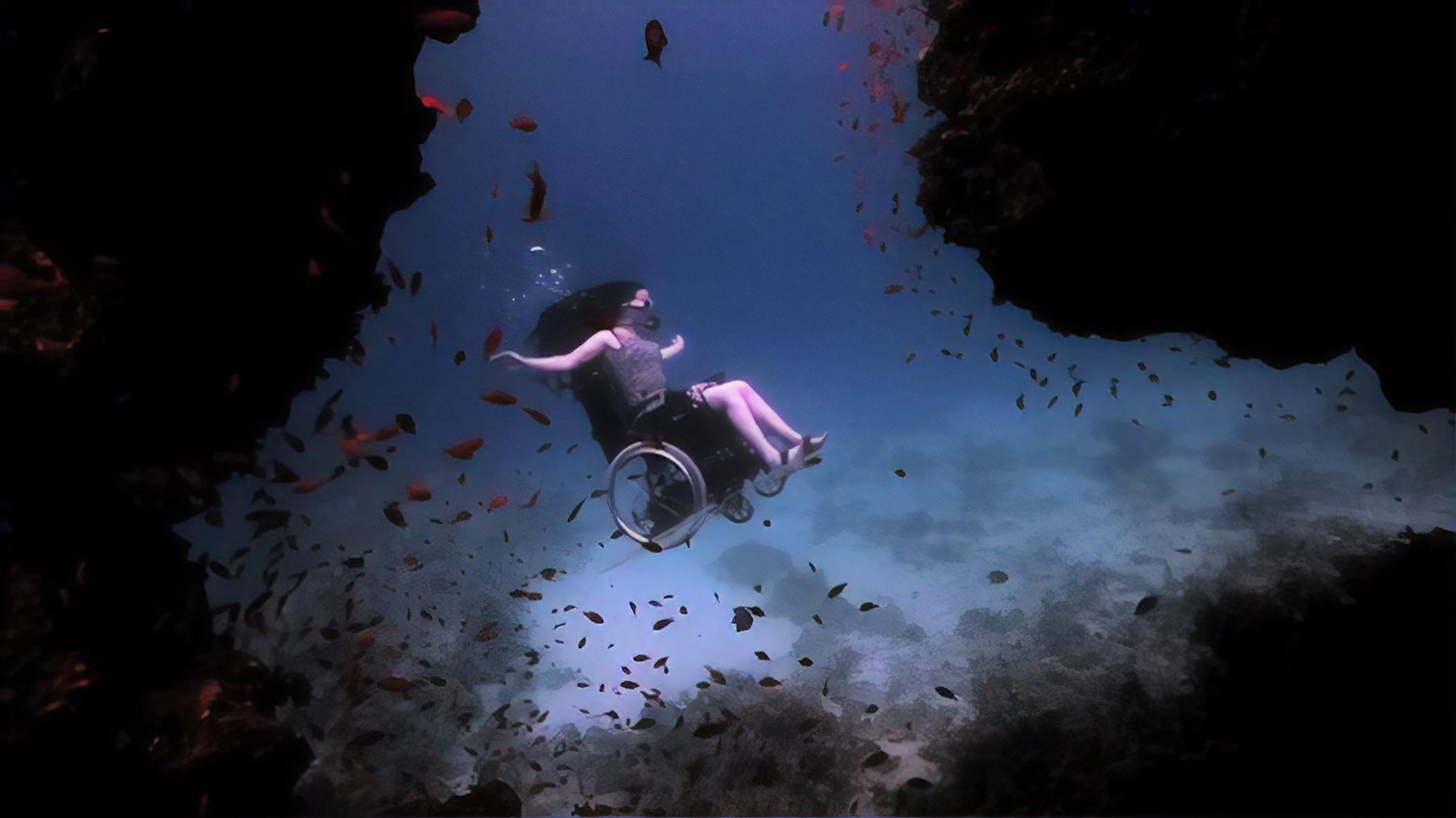 wheelchair-sea-dive-Sue-Austin-2-magic