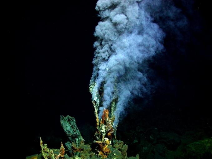 Okyanus-tabanlarında-hidrotermal-bacalar-bulunur